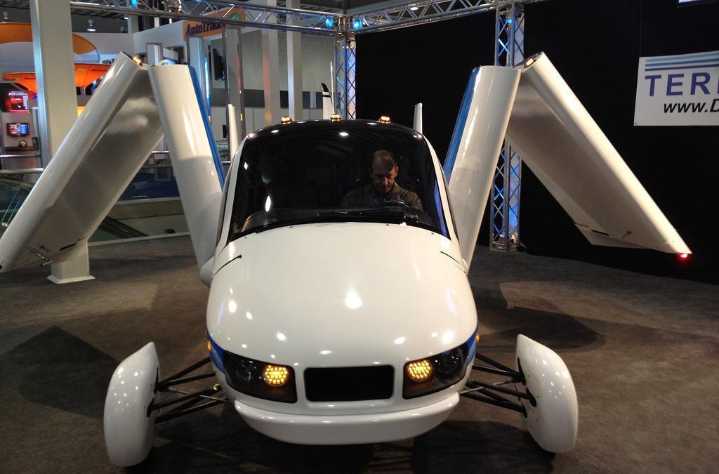 Uber Flying Taxi Tests Set for 2020