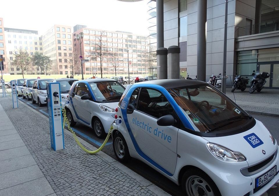 Why Should You Consider A Green Electric Fleet